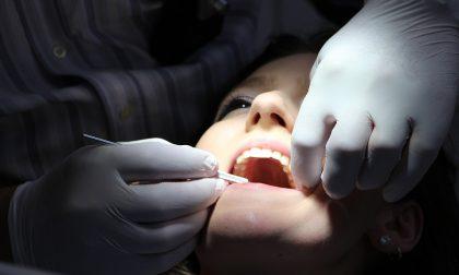 Come fare per avere i denti piu bianchi