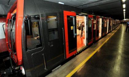 Lieve incidente metro Milano, il conducente inchioda e 5 feriti