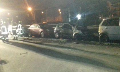 Altre quattro macchine bruciate nella notte a San Giuliano Milanese