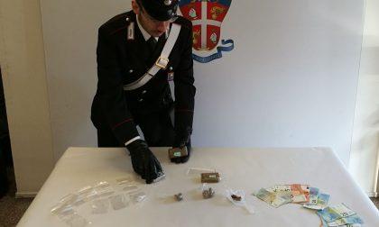 Droga nascosta in cantina, arrestato spacciatore di 18 anni