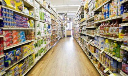 Ubriaco al supermercato viene allontanato, gravissimo dopo la caduta