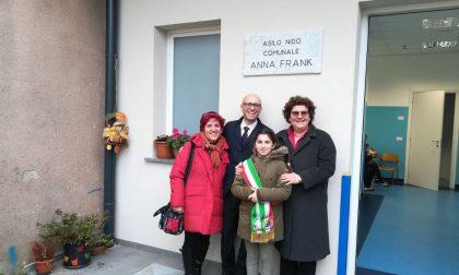 """Asilo Anna Frank di Trezzano, tagliato il nastro. I bambini: """"Importante non dimenticare"""""""