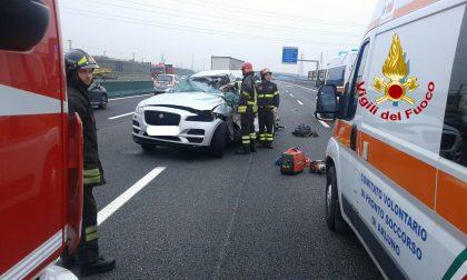 Incidente mortale sulla A4, morta una donna, ferito il 17enne al suo fianco (FOTO)