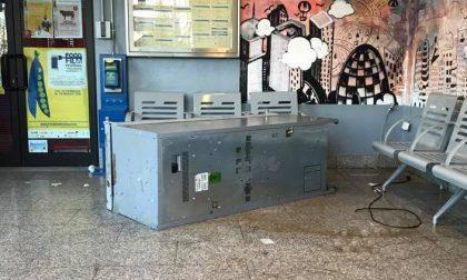 Ondata di vandalismo a Locate. Il sindaco: Tolleranza zero per gli incivili