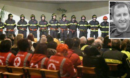 Il suono delle sirene e degli applausi: la commemorazione di Pinuccio La Vigna (FOTO e VIDEO)