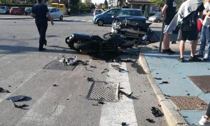 Scontro auto moto in via Matteotti ad Assago: ferito un 45enne (FOTO)