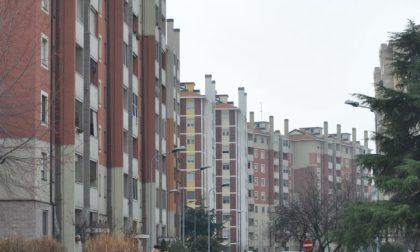 I carabinieri sgomberano appartamento Aler occupato