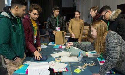 Cestino intelligente riconosce i rifiuti: l'idea vincente degli studenti di Melegnano