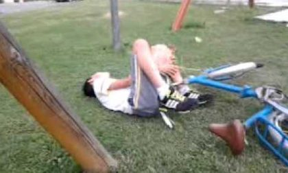 Cade dalla bici, 12enne portato in ospedale in codice rosso