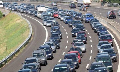 Incidente in Tangenziale: 6 chilometri di coda tra Trezzano e Settimo