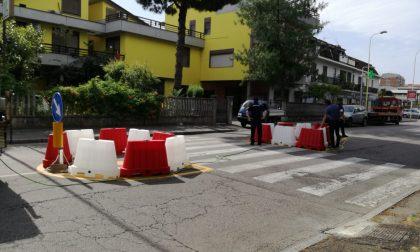 Via Trieste pericolosa, iniziati gli interventi per la sicurezza: spartitraffico e new jersey - Foto
