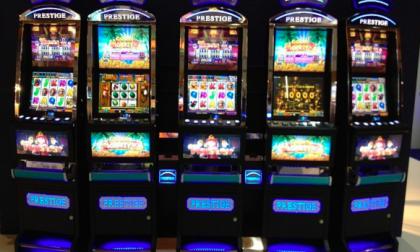Lotta dura al gioco d'azzardo: stop alle slot per oltre 6 ore al giorno