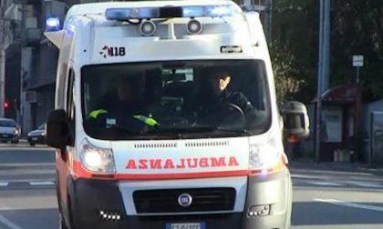 Ribaltamento auto sulla Nuova Vigevanese, tre feriti