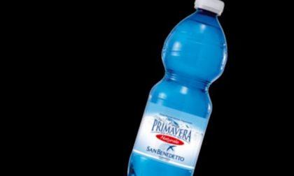 Rischio chimico in bottiglie acqua San Benedetto, attenzione al lotto