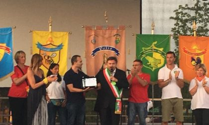 Dino Tripodi premiato dal sindaco di Assago e dal Comitato Regionale della Lombardia