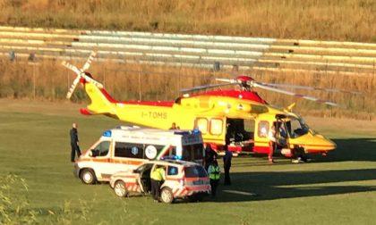 Auto contro moto a Trezzano, ferito un 56enne