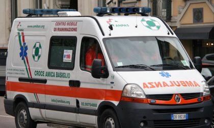 Scontro auto moto a Rozzano: frattura del femore per il 14enne centauro