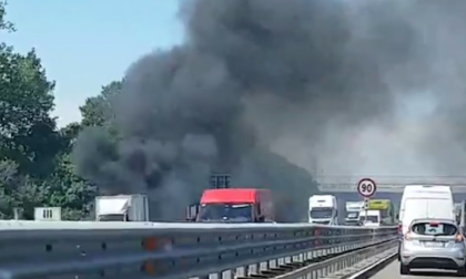 Incendio Cascina Dornetti a Cesano Boscone VIDEO
