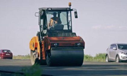 Proseguono i lavori di asfaltatura a Trezzano