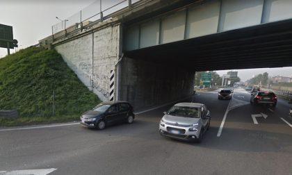 Sversamento liquidi sull'asfalto: traffico in tilt sulla tangenziale e Vecchia Vigevanese