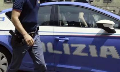 Tenta di prelevare 500 euro con documenti falsi, arrestato