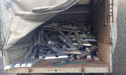 Furgone in via Salieri: dentro tre tonnellate e mezzo di alluminio rubato