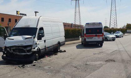 Incidente tra camion, non rispetta lo stop: un ferito a San Giuliano