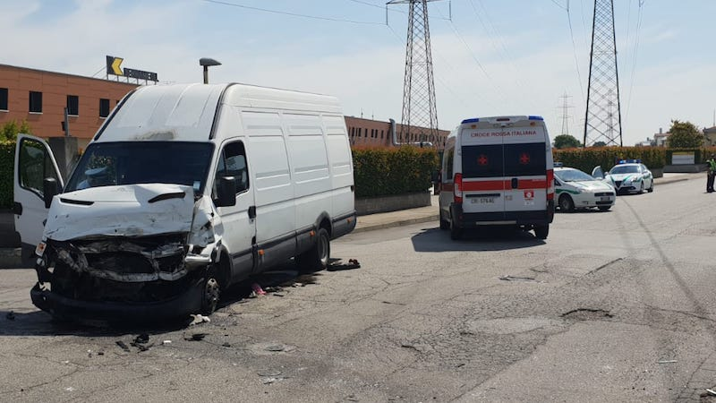 incidente tra camion