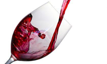 Come servire vino a tavola, regole di bon ton