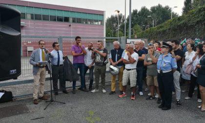 Assemblea pubblica Burgo, in centinaia alla manifestazione FOTO