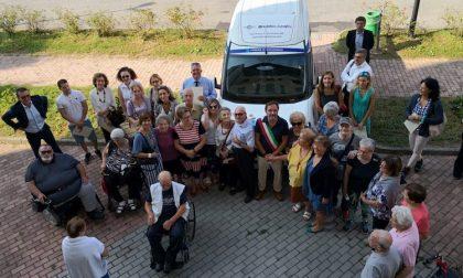 Un nuovo pulmino per gli anziani di Buccinasco
