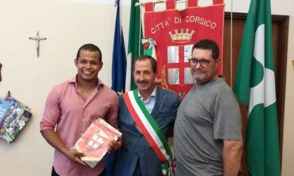 Salva donna nel Naviglio, il sindaco ringrazia l'eroe di Corsico