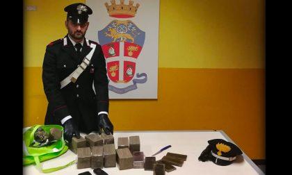 Dieci chili di hashish nel bagagliaio, arrestato 28enne di Rozzano