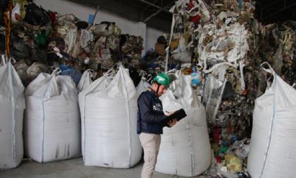 I carabinieri scoprono un altro capannone di rifiuti illeciti FOTO