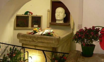 Viaggio a Predappio in onore del duce, la gita parte da Corsico