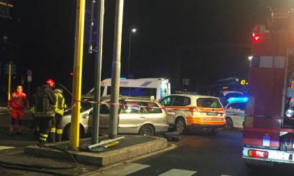 Incidente tra auto all'incrocio Gonin Giordani: traffico difficoltoso FOTO