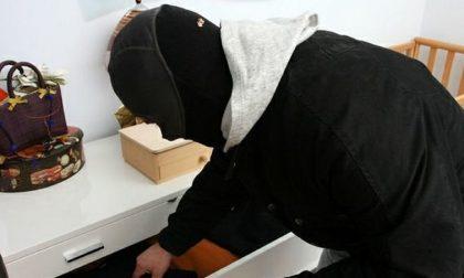 Furto in appartamento sventato: carabinieri arrestano due ladri