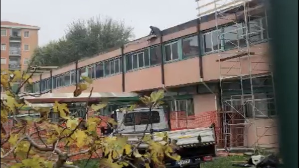 Lavori tetto scuola