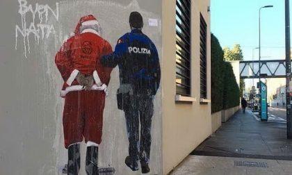 Babbo Natale turco espulso, il nuovo graffito provocatorio di TvBoy