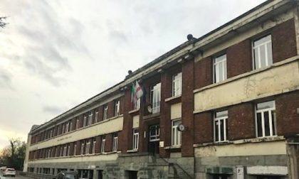 Duecento studenti trasferiti per i lavori a scuola, petizione dei genitori