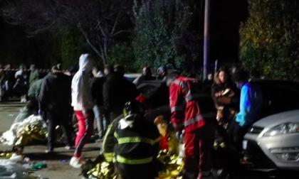 Panico in discoteca provocato da uno spray urticante, ci sono morti e feriti