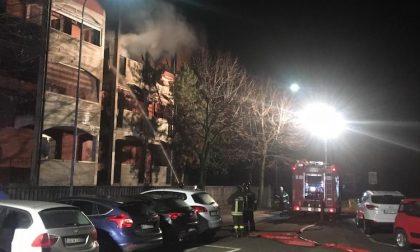 Incendio in appartamento di via Turati per un corto circuito FOTO