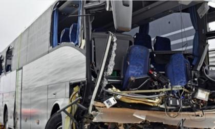 Incidente pullman vicino Zurigo, la vittima è una donna lombarda