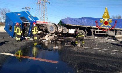 Brutto incidente sull'autostrada A8 FOTO