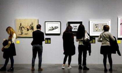 Tentato furto opera di Banksy sostituendola con un falso