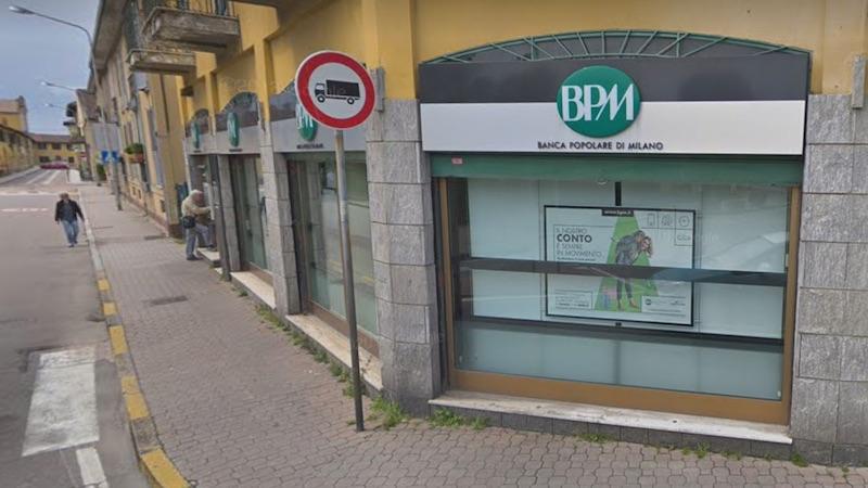 Minaccia dipendenti della banca