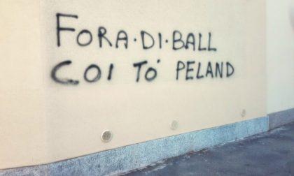 """Scritta sui muri dell'oratorio in milanese: """"Vattene con le tue prostitute"""""""