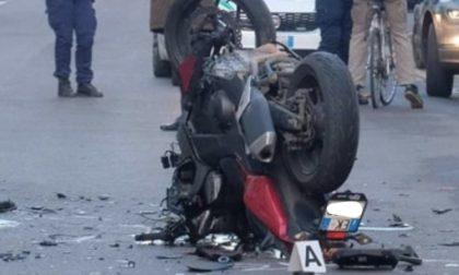 Incidente auto moto in via Boccaccio, grave il centauro di 35 anni