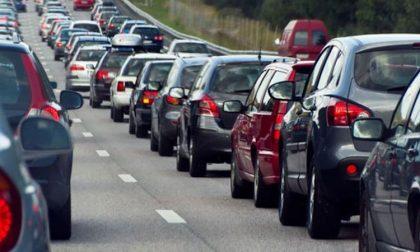 Incidente sulla Tangenziale Ovest, otto feriti e traffico paralizzato