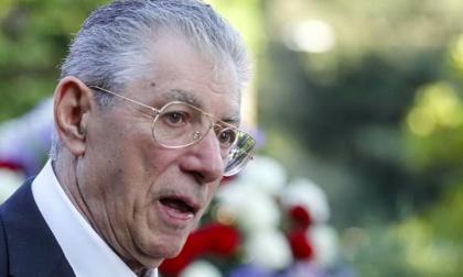 Umberto Bossi ha avuto un malore in casa, trasportato in elisoccorso in ospedale